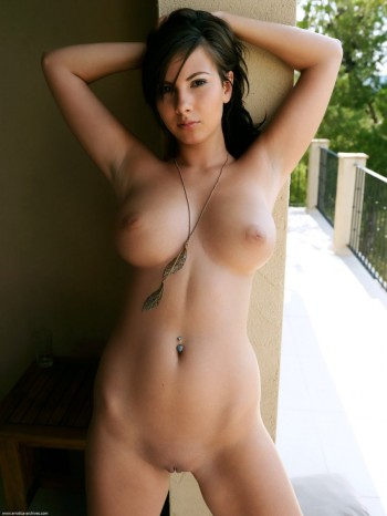 Outdoor Hotness
