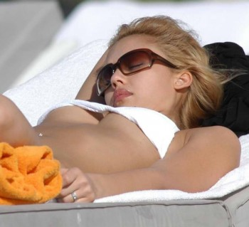 Jessica Alba Sleeping On The Beach